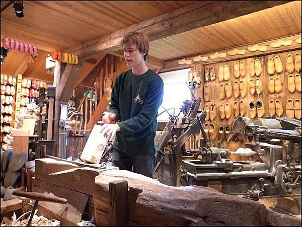 木鞋製作流程1