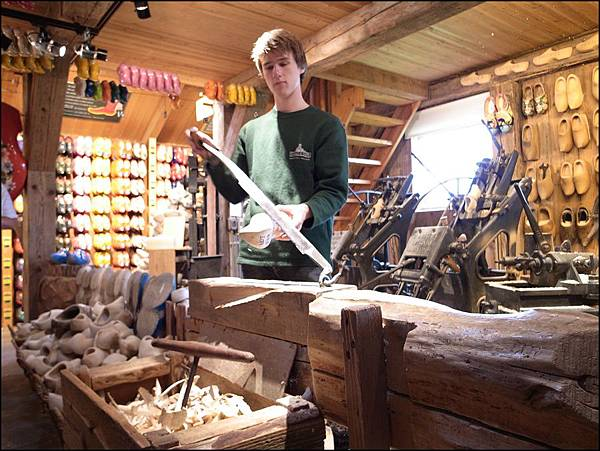 木鞋製作流程2