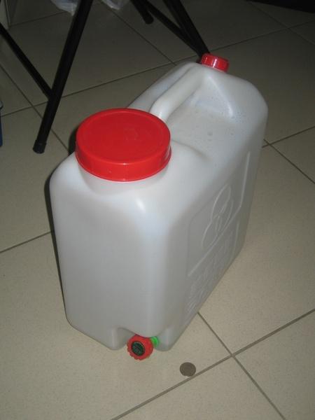 飲水20公升水桶