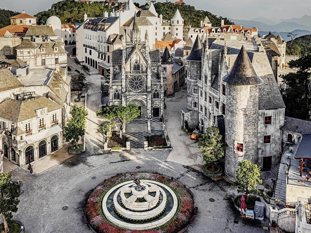 Mercure Banahills French Village Hotel