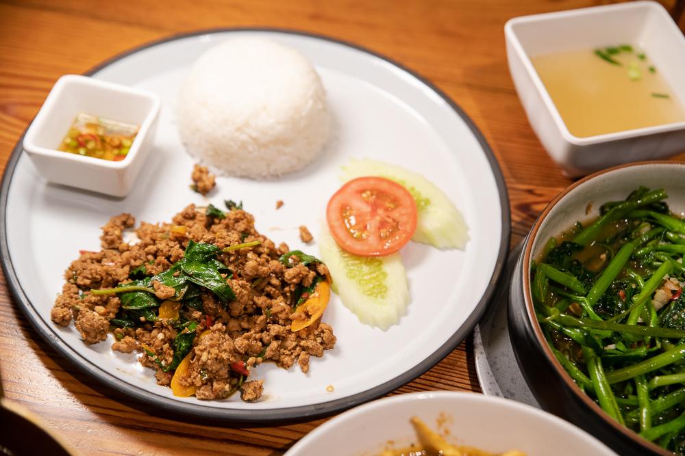 Baan Ying Cafe & Meal
