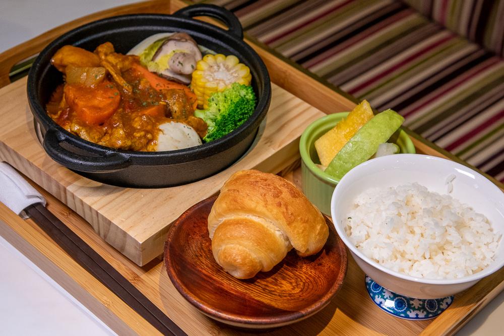紅咖哩豬風味燉鍋