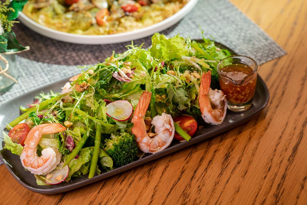 鮮蝦蘆筍堅果沙拉