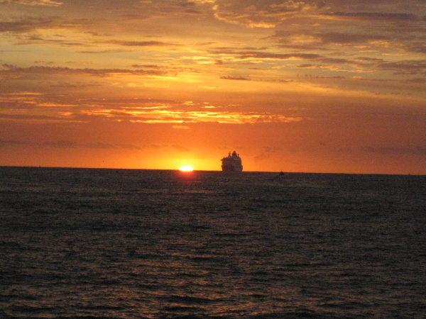 海平面的日出-05