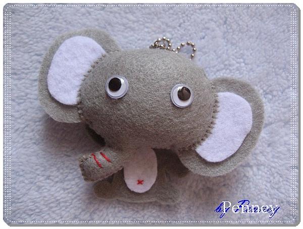 L241 110119 不織布吊飾 大象