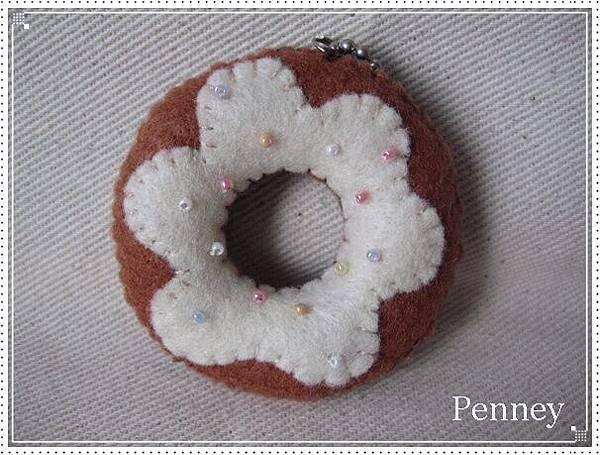 L329 110313 巧克力奶油甜甜圈.jpg