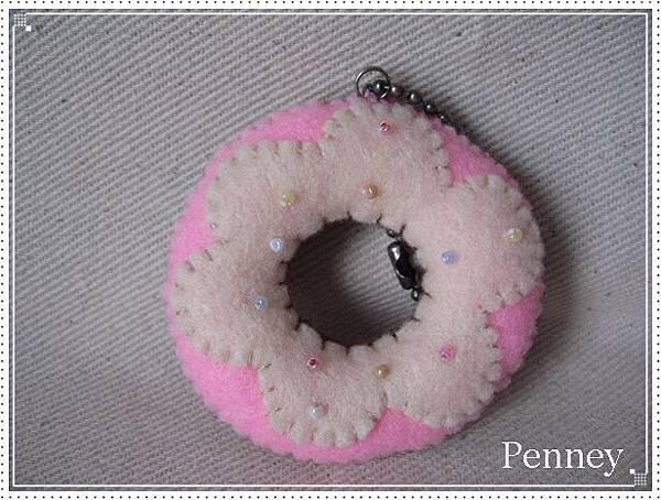L328 110313 草莓奶油甜甜圈.jpg