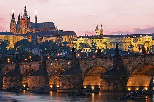 charles_bridge_prague.jpg