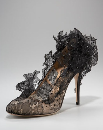Valentino-Lace-Court-Pump