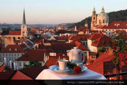 HOTEL_PRAGA_GOLDEN-_WELL_1