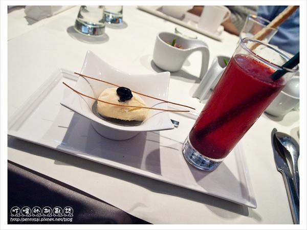 舒果新米蘭蔬食-冰淇淋芝麻奶凍+藍莓接骨木.jpg