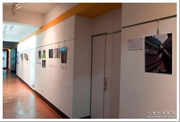 臺灣法國文化協會 - 藝廊(走廊).jpg