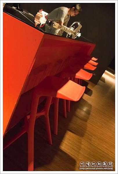 瑪莉珍披薩(Maryjane Pizza) - 頗有整體感的吧檯椅
