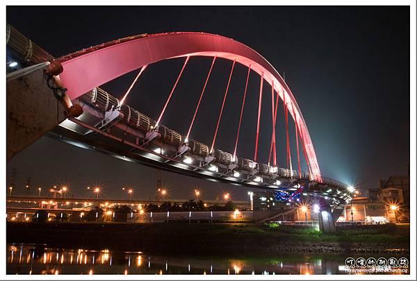 彩虹橋夜景.jpg