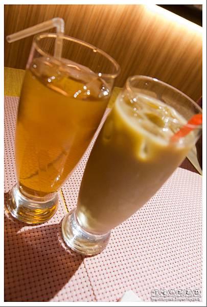 鈕扣先生(Mr.Button) - 附餐飲料(花果茶&冰咖啡).jpg
