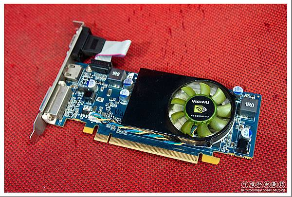 Acer M5810內建nVIDIA NT220顯卡.jpg