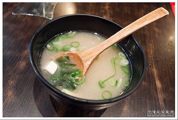 石牌.平價日本料理「68鮮魚」- 自助無限味增湯