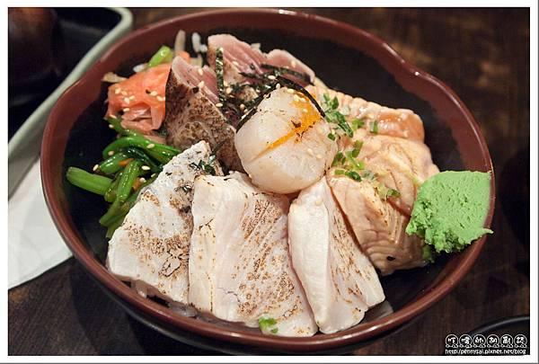 本料理「68鮮魚」- 綜合霜燒丼