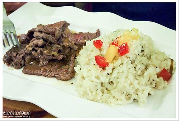 大直.團體用餐的好地方「B&O Kitchen」- 花香翼板牛香料飯