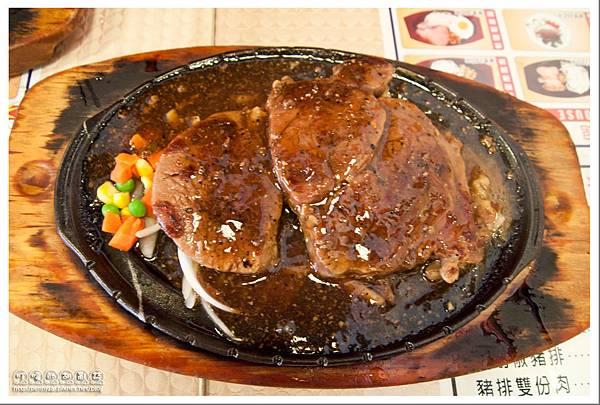林口長庚.料多大碗「米老鼠牛排館」- 波霸大牛排之其二
