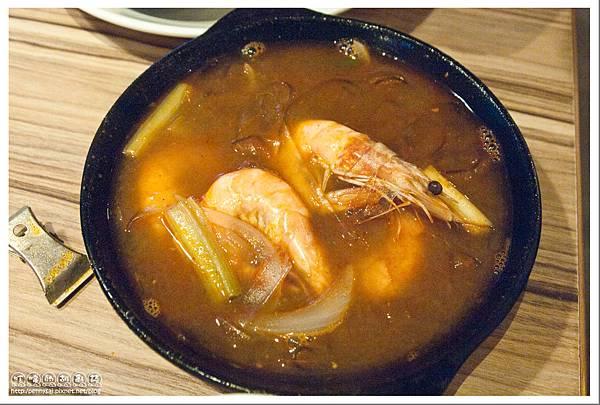 台北公館.蝦料理+調酒吃到飽 - 狠蝦 - 泰皇粉絲蝦煲