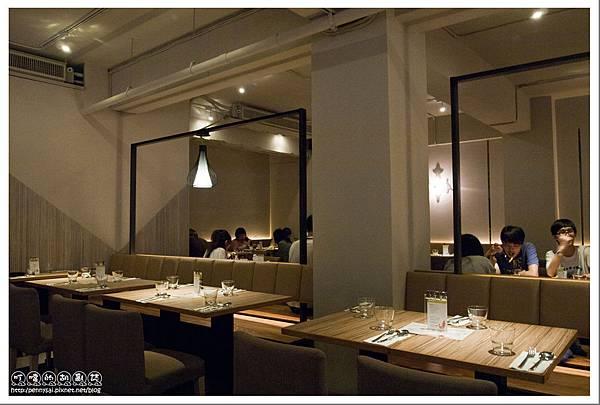 台北公館.蝦料理+調酒吃到飽 - 狠蝦 - 氣氛不錯的用餐空間