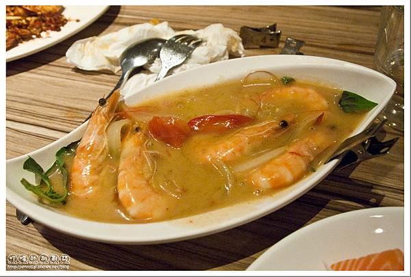 台北公館.蝦料理+調酒吃到飽 - 狠蝦 - 泰式綠咖哩蝦