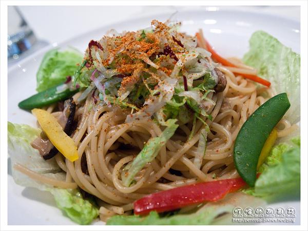 舒果新米蘭蔬食-牛肝菌義式辣椒麵(特寫).jpg