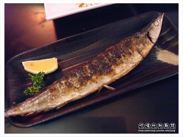 品饌燒烤屋-烤秋刀魚.jpg