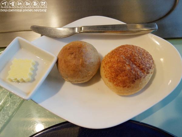 帕瑪森起司麵包&雜糧麵包.jpg