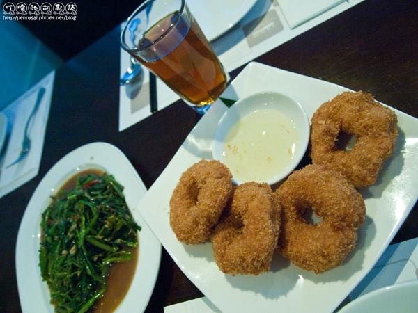 華國飯店T1泰式料理-菜上的有夠快1.jpg
