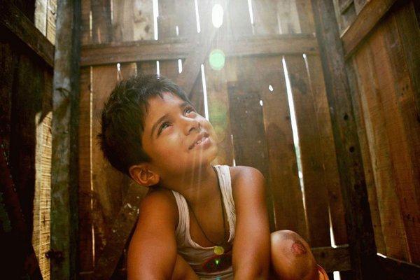 貧民百萬富翁(Slumdog Millionaire)劇照1