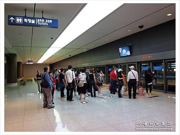 韓國之旅-仁川機場接泊捷運.JPG
