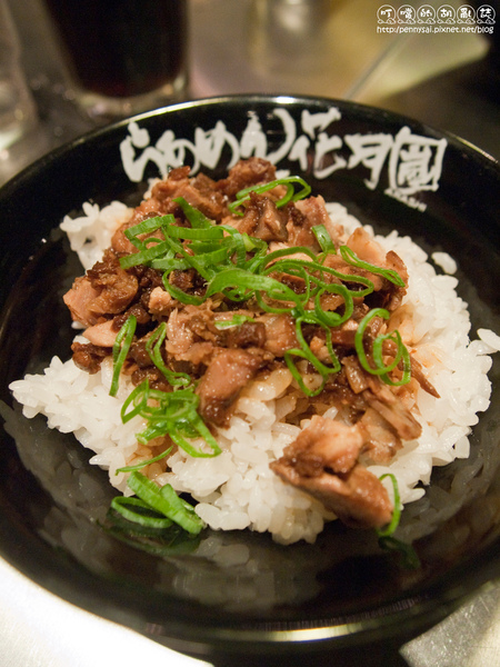 特色蒜味拉麵[「花月嵐」-蒜香豬肉飯.jpg