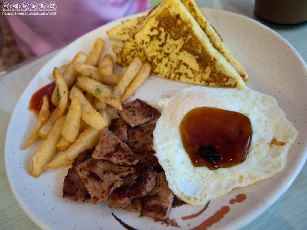 好吃的早餐「唯樂漢堡」-總匯套餐.jpg