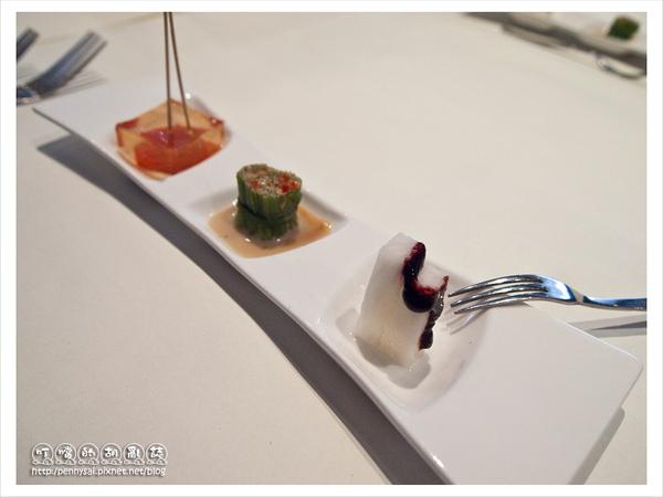 舒果新米蘭蔬食-藍莓山藥+彩椒水蓮+蒟蒻蕃茄(由右至左).jpg