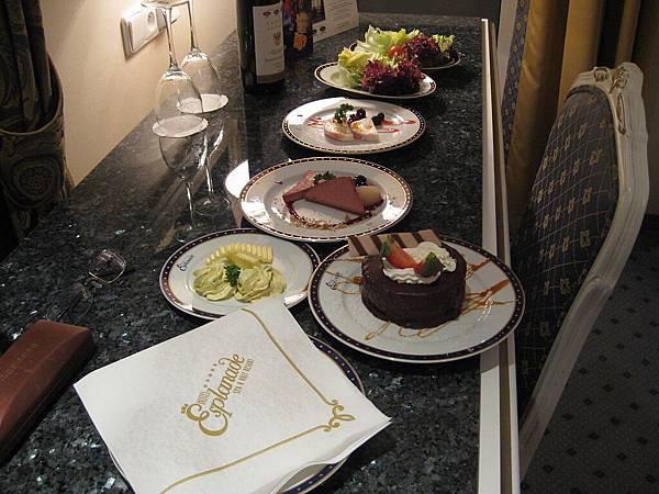 前菜跟蛋糕