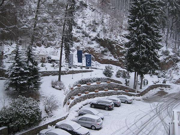 飯店外又都是雪囉