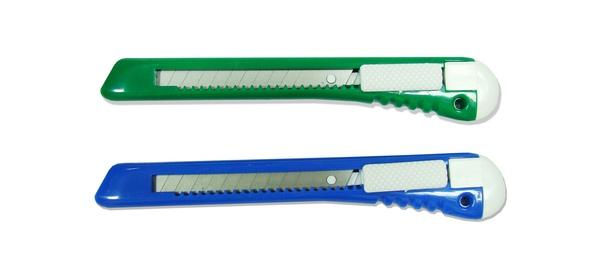 kc032塑膠柄美工刀.jpg