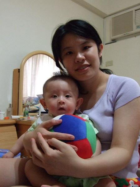 我愛媽咪和球球!