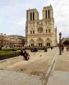 KR_Notre Dame Cathedral Paris 2.jpg