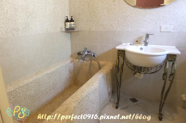 四人房浴室2