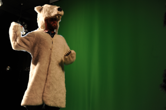 evan-gattis-polar-bear-costume-570x379