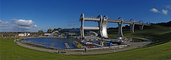 Falkirk_Wheel_panorama.jpg