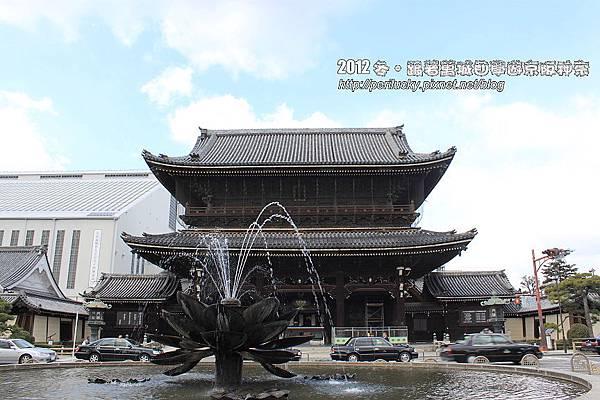 1.東本願寺御影堂門