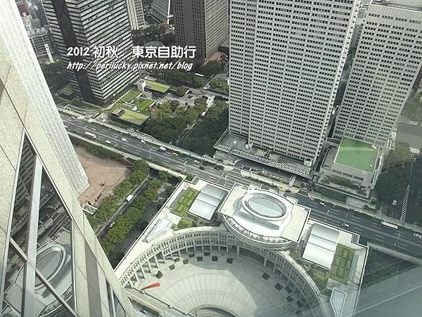 13.俯視都廳廣場
