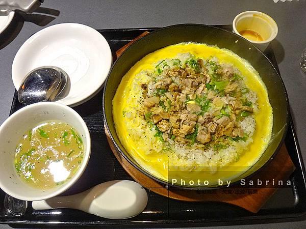 12.蒜香奶油鐵板炒飯