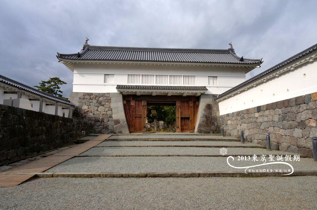 10.銅門