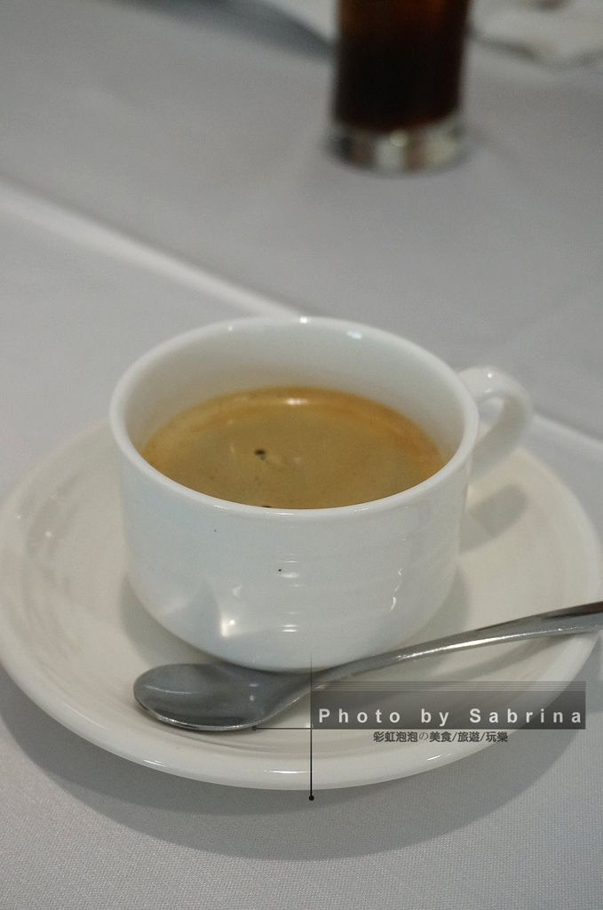 23.熱咖啡