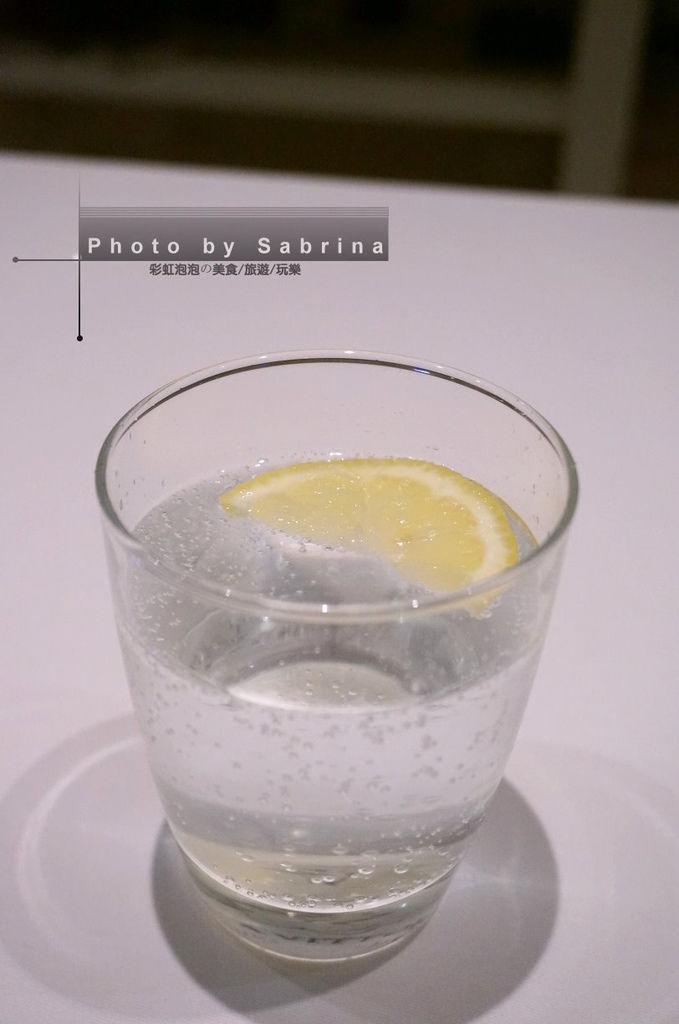15.檸檬氣泡水